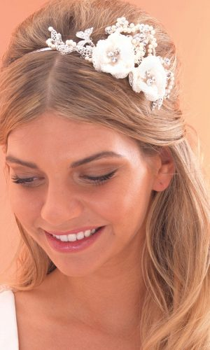 ar474-lace-flower-side-tiara